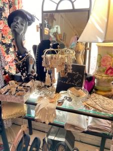 Vintage Clothing & Jewelry